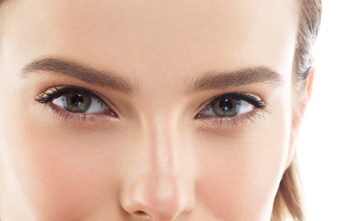 Massaggio e ginnastica facciale anti-age: focus occhiaie e borse